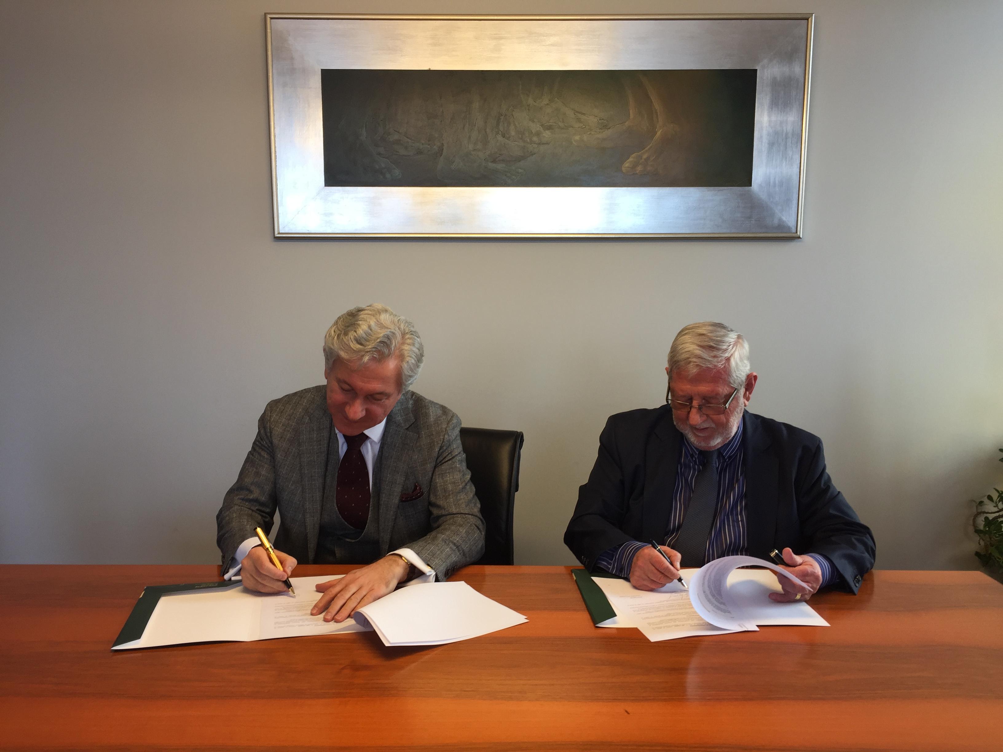 O.Traianov-Gr.Vazov-signing