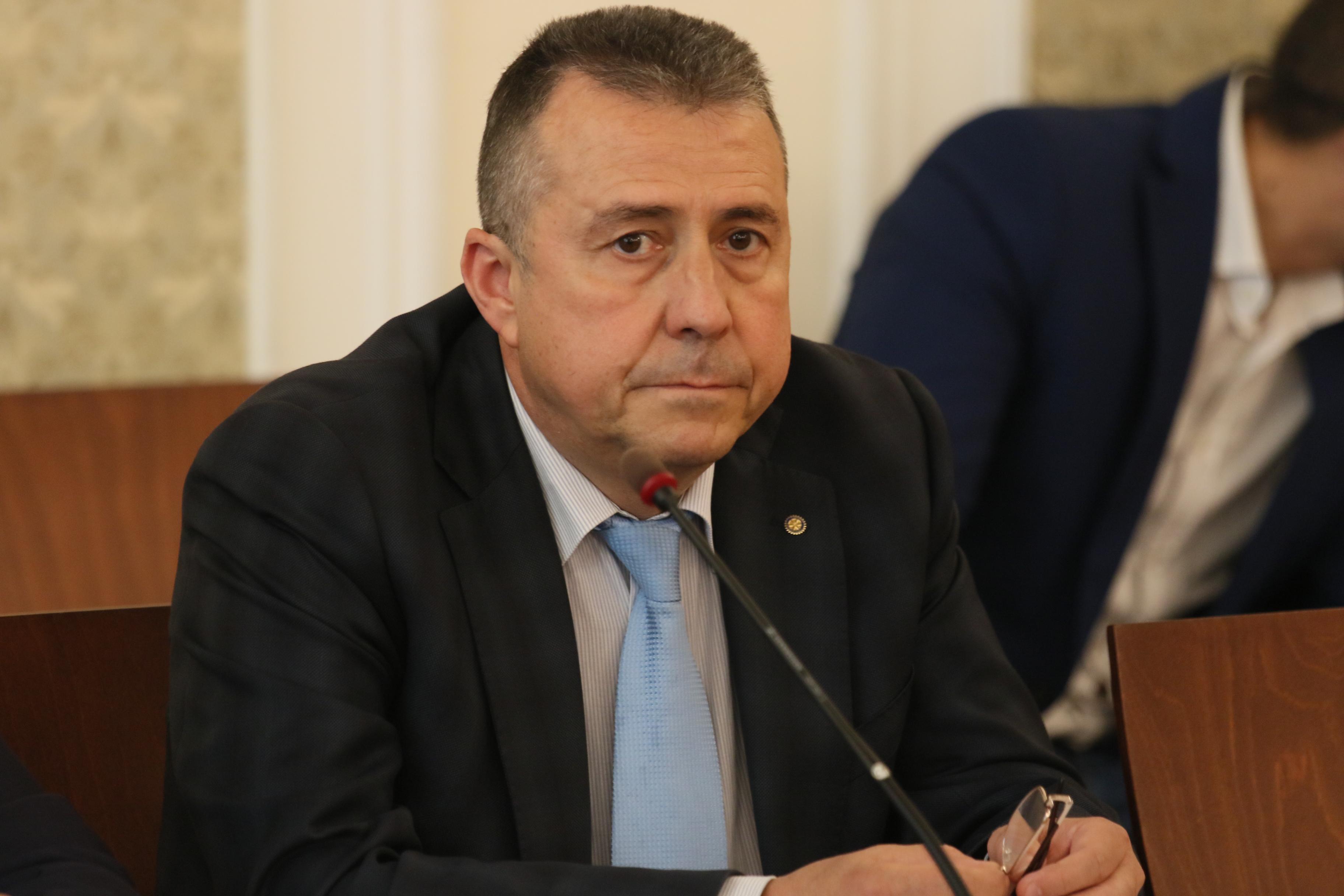 Zam.minister Yovev