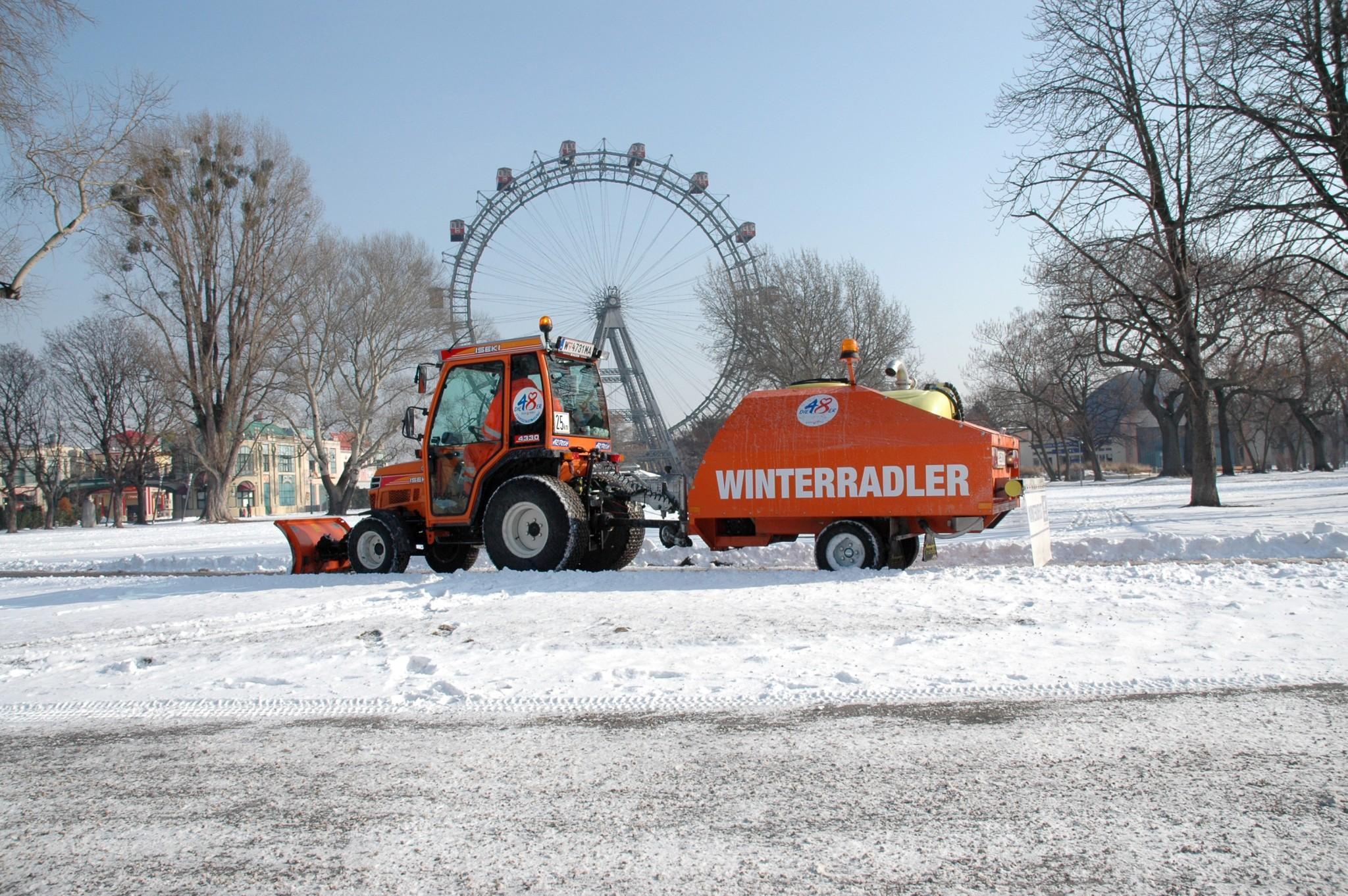 2012-02-08-ma-48-winterdienst-weiter-im-volleinsatz